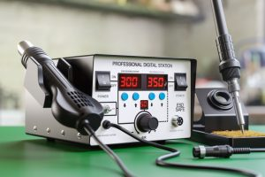 Best Soldering Stations: Complete Reviews With Comparison