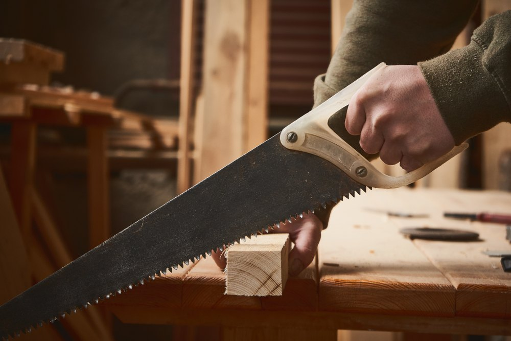 How to Make Square Cuts with a Hand Saw