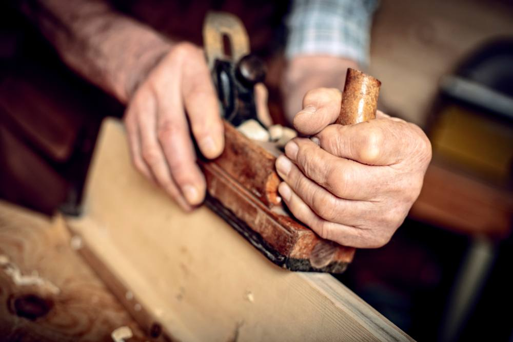 How a Hand Planer Works