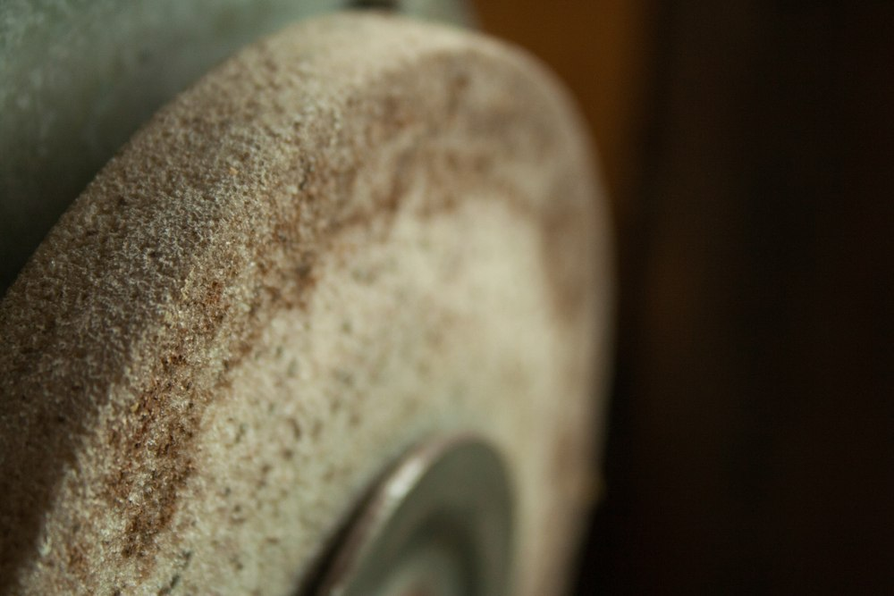 How to Dress a Grinding Wheel on a Bench Grinder