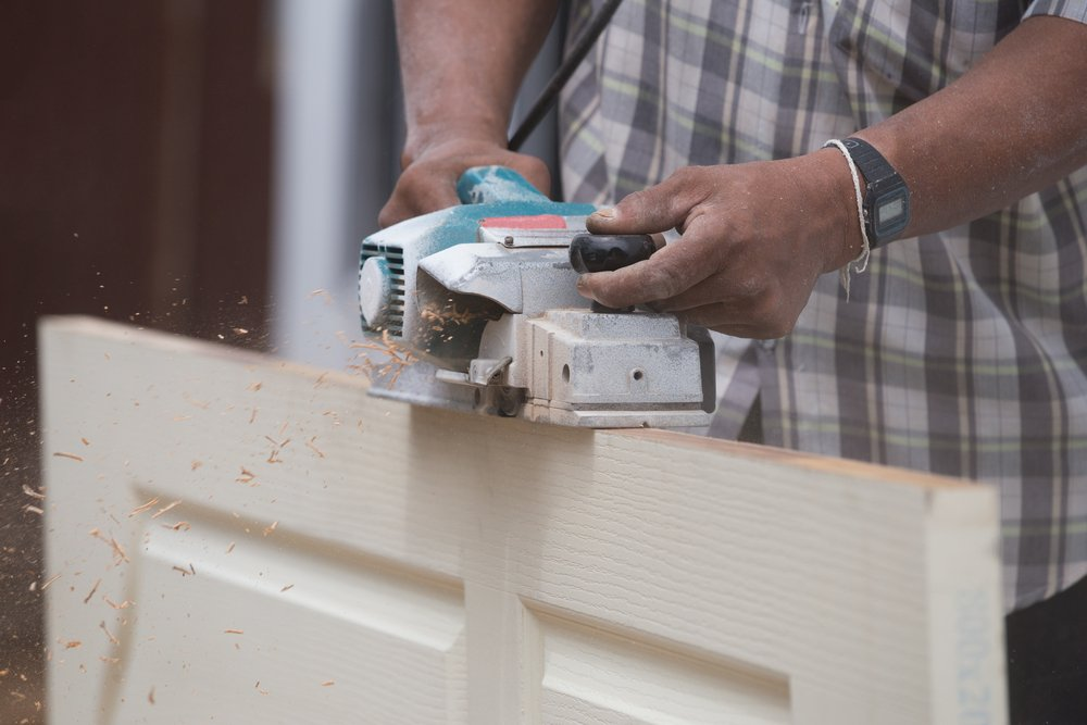 How to Plane a Door with a Hand Planer