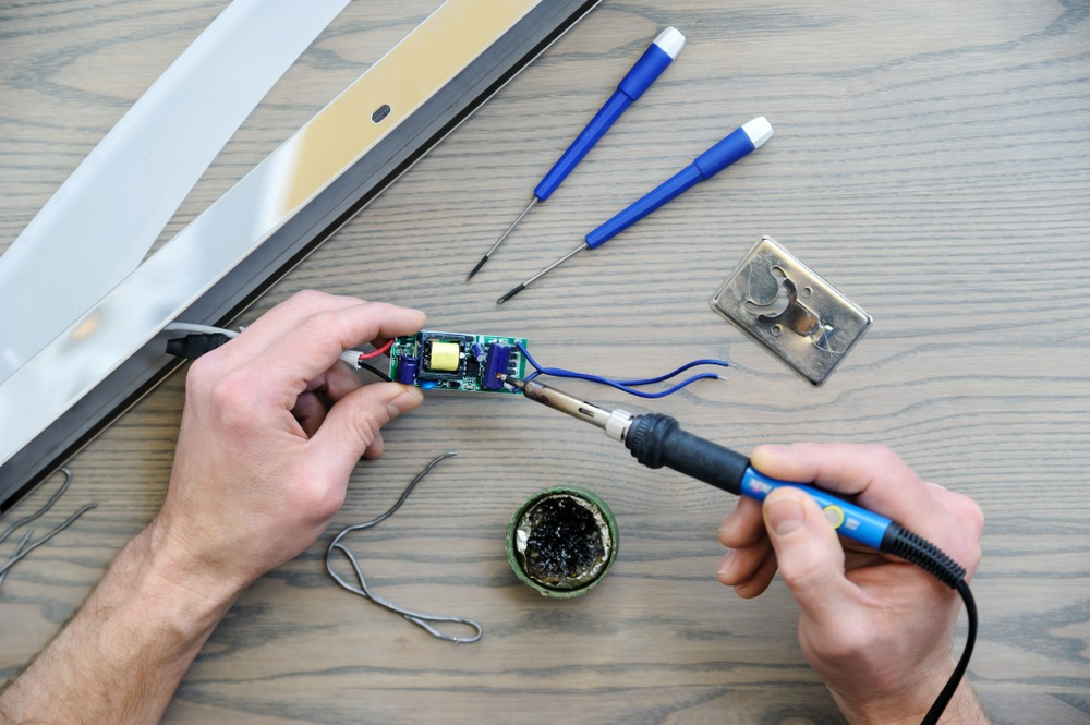 How Does a Soldering Iron Work?