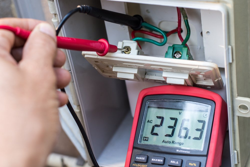 How to Check Short to Ground with a Multimeter