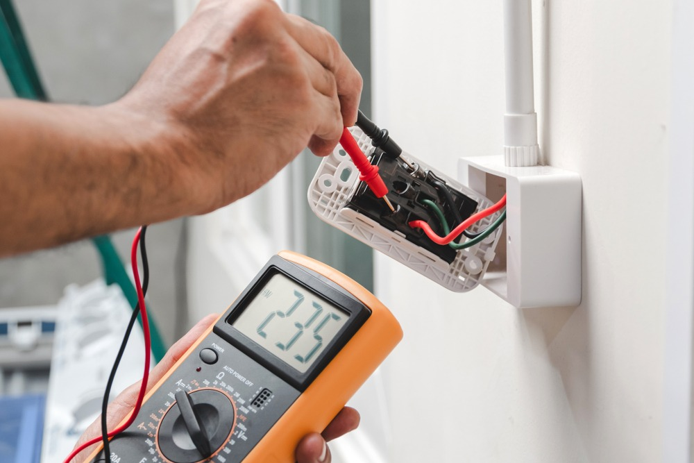 How to Test AC Voltage with a Multimeter