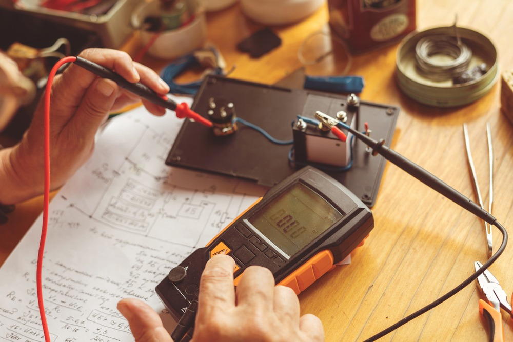 How to Use a Multimeter to Test a Wire