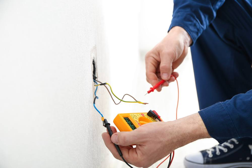 How to Check Ground Wire with a Multimeter